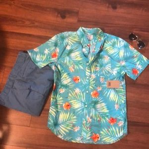 c0efe19e Men Bright Hawaiian Shirts on Poshmark